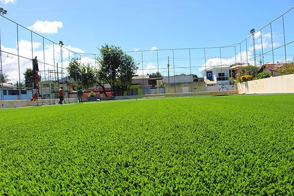 236483e37b Construção de campo society com grama sintética - AX3 Esportes